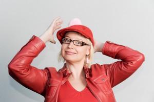 Pauliina Mäkelä, Kinda Oy, some-kouluttaja, Suomen twitter-kuningatar
